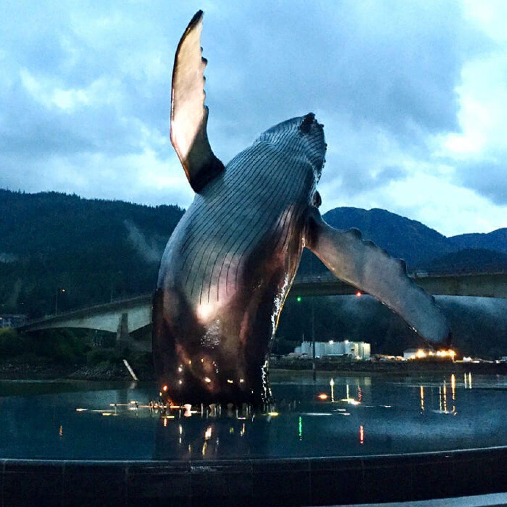 whale-statue-urban-kayak-tour-juneau
